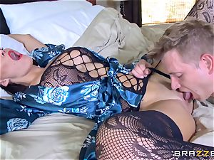 cuckold wife Peta Jensen puss thrashed by Bill Bailey