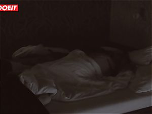 Russian babe gets pro fucky-fucky to help her sleep