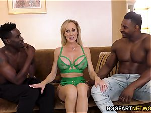 Brandi love Works On 2 gigantic black spunk-pumps