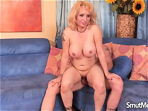 blonde mother gets porked