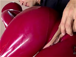 ass-fuck and latex FFM threeway