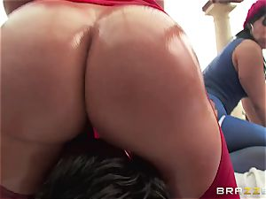 ass-fuck hookup with 3 super-naughty phat ass sluts Krissy Lynn, Nikki Delano and Rose Monroe