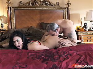 London Keyes romped in her appetizing labia pudding by the anchor dude