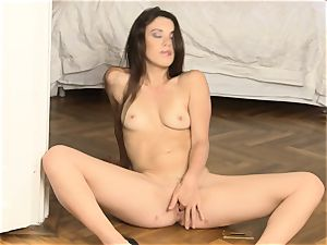 Tiffany woman fingering her steamy labia hole on the floor