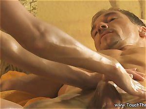 Twisty mitt movability massage
