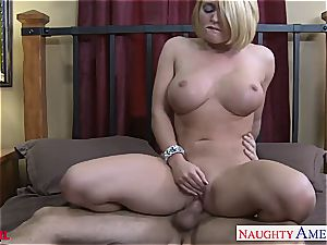 Alluring Krissy Lynn perceives hottest when her mouth-watering vagina is torn up