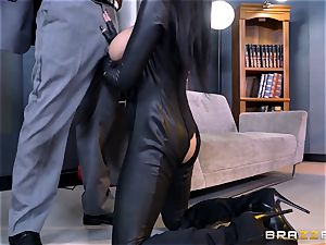 exclusive agent Romi Rain gets twat deep with the boss