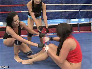 Emma culo and Larissa Dee lady red-hot struggle