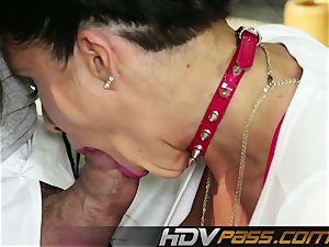 HDVPass vet mummy Romi Rain gets crazy