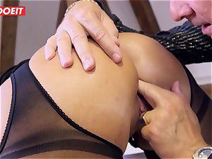 German secretary dirty dances Her backside On Her manager Desk