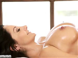 Ava Addams and Cherie Deville - enormous boob cougar girl-on-girl