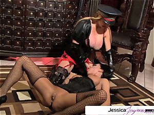 see Taylor Wane bang Jessica Jaymes like a super-bitch