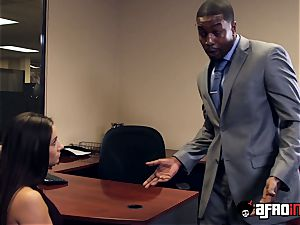 Lusty seductress IR banged by suspended manager