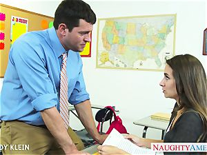 brown-haired student Cassidy Klein drill trunk